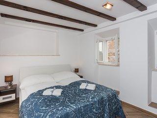 Apartments & Rooms Verdi - Superior Room with City View - No.2 BR6 - NIKO