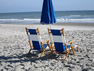 SEASHELLS  2 BD CONDO STEPS TO THE BEACH: GREAT LOCATION AND HEATED POOL!