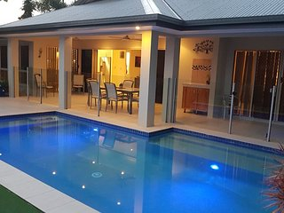 Eden Luxury Lagoon View Holiday House