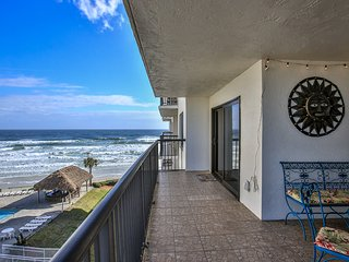 GREAT OCEAN VIEWS - REMODELED CONDO, COASTAL DECOR, HEATED POOL - GREAT RATES