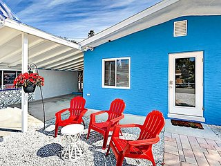 TurnKey - 2BR Charming Cottage - Walk 5 minutes to Fort Myers Beach