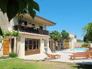 4 bedroom Apartment in Saint-Cyr-sur-Mer, France - 5759028