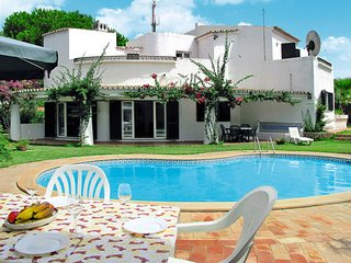 5 bedroom Villa with Pool, Air Con and WiFi - 5759340