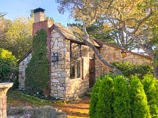 ~Quintessential Carmel-by-the-Sea Cottage~