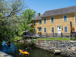 Private, Cozy Historic Mill with Babbling Brook