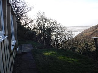Refurbished Chalet with stunning views of the Mountains & the Dovey Estuary !