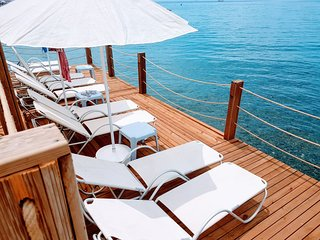 Eva Bodrum - Beachfront comfy& lux flats for 4 people with private jetty