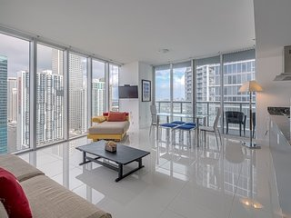 00235 MAGNIFICENT BRICKELL HIGHEST WATER VIEW 3BD/2B