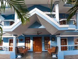 Private Luxury Villa - 2 minutes Walk to Calangute Beach, On Holiday Street Goa