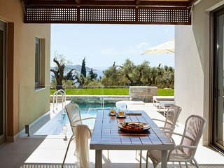 2 bedroom Villa with Air Con, WiFi and Walk to Beach & Shops - 5759985