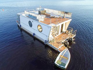 Houseboat Finland: Houseboat DeLuxe 42 m2 / 8 Twin