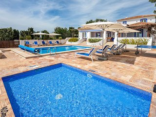 5 bedroom Villa with Pool, Air Con and WiFi - 5693963