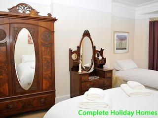 Stoke Villas - 5 bedroom Victorian Townhouse in Gosport
