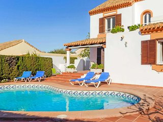 4 bed villa,  pool, seconds from a golf course