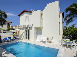 You Will Love This Luxury Villa with Balcony in Protaras, Villa Paralimni 1090
