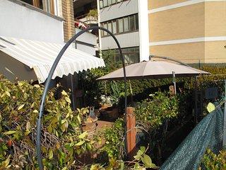 terrazzo-giardino ATTREZZATO a livello della STUDETTE con accesso esclusivo diretto.