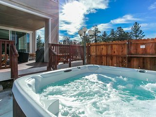 ~Maple Ridge View~Game Room Garage~Hot Tub~Propane Fire-Pit~Minutes To All Activ
