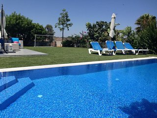 You Will Love This Luxury Villa with Large Garden close to the beach in Sotira