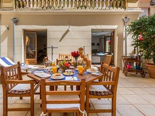 TRIOMPHE ELYSEES SWEET LOFT: 80 M2 + votre terrasse privee de 45 M2.