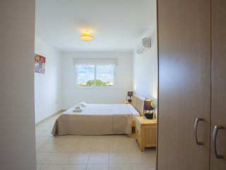 """""""Holiday Apartment Close to the Beach"""" Paralimni Apartment 91"""