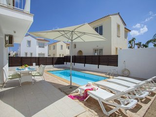You Will Love This Luxury Villa close to the beach in Pernera, Villa Pernera