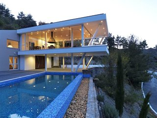 Imagine You and Your Family Renting this Perfect Villa in Troodos Mountains