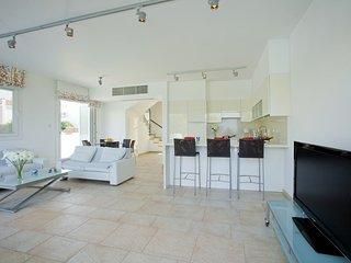 """""""Imagine Renting Your Own 5 Star Villa"""" Protaras Villa 69"""