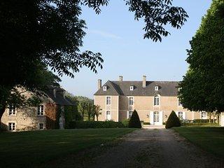 Maison de charme dans le parc d'un château monument historique