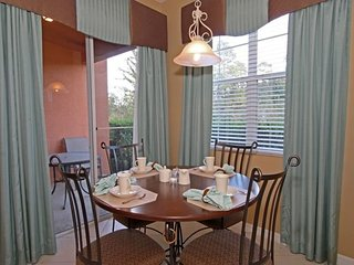 """""""Beautiful Home with Golf Course Views"""" Villa 867"""