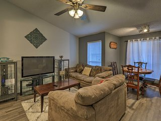 Arlington Condo Near Cowboys Stadium, Shops!