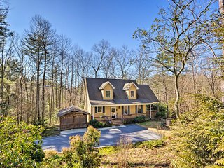Remote Hendersonville Home w/Deck & Fire Pit!