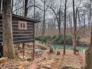 NEW! Secluded Creekside Home 'The Treehouse Cabin'