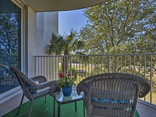 NEW-Destin Palms Resort Condo - 0.4 Miles to Beach