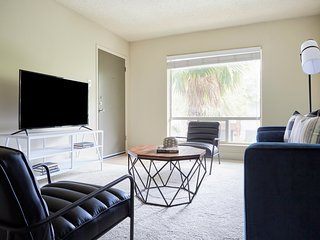 Smart 2BR at The Galleria by Sonder
