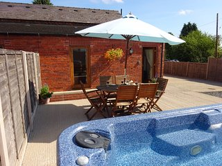 Nuthatch Holiday Cottage - Castle Farm Holidays Shropshire