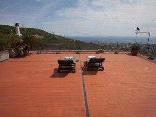 Casa Roberto B&B e un paradiso, relax tra mare e monti, hai trovato la tua meta.