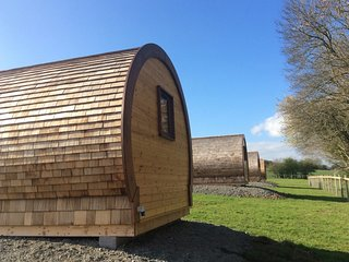 WILLOW - Glamping pod - Castle Farm Holidays Shropshire