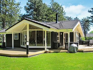 Bjernaes Husby Holiday Home Sleeps 6 with WiFi - 5423028