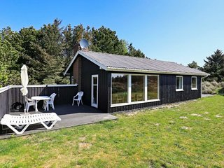 Pirupshvarre Holiday Home Sleeps 6 with WiFi - 5060706