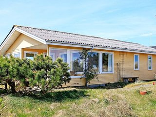 Sondervig Holiday Home Sleeps 6 with WiFi - 5394147