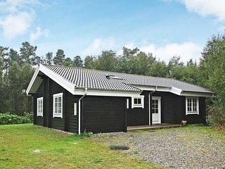 Frederikshavn Holiday Home Sleeps 6 with WiFi - 5028124