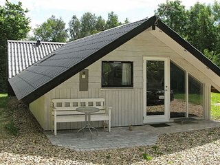 Oster Gronning Holiday Home Sleeps 6 with WiFi - 5042510