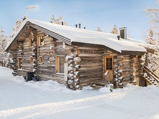 Ruka Holiday Home Sleeps 6 with WiFi - 5045135