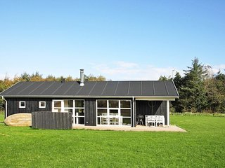 Sillerslev Holiday Home Sleeps 6 with WiFi - 5061708