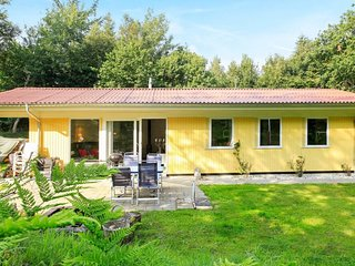 Vester Lem Holiday Home Sleeps 6 with WiFi - 5039877