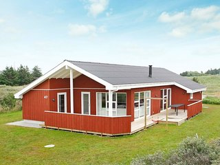 Renden Holiday Home Sleeps 8 with WiFi - 5042580