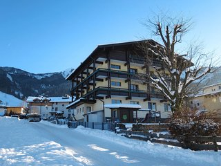 Kaprun Apartment Sleeps 6 with Free WiFi - 5768748