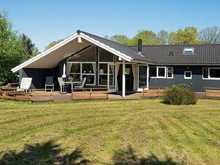 Fjellerup Mark Holiday Home Sleeps 8 with WiFi - 5042620