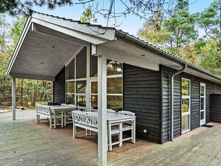 Hojby Holiday Home Sleeps 9 with WiFi - 5582099