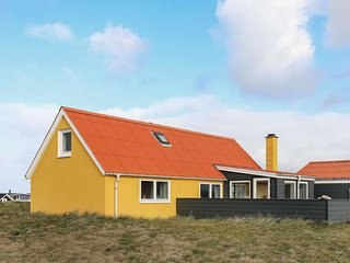 Vandborg Holiday Home Sleeps 6 with WiFi - 5718692